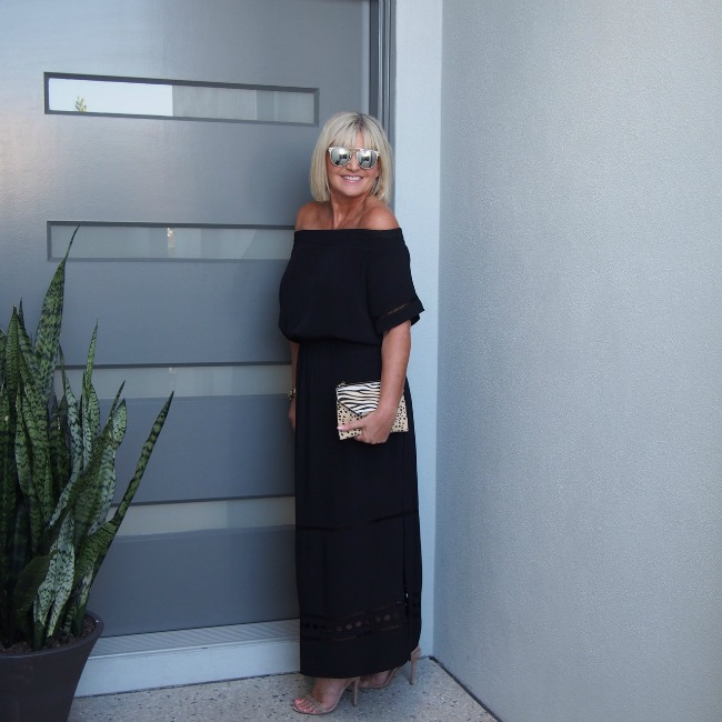 152a1d8f9042 How to wear off the shoulder